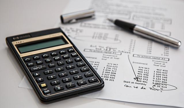 Sporiaci účet alebo termínovaný vklad?