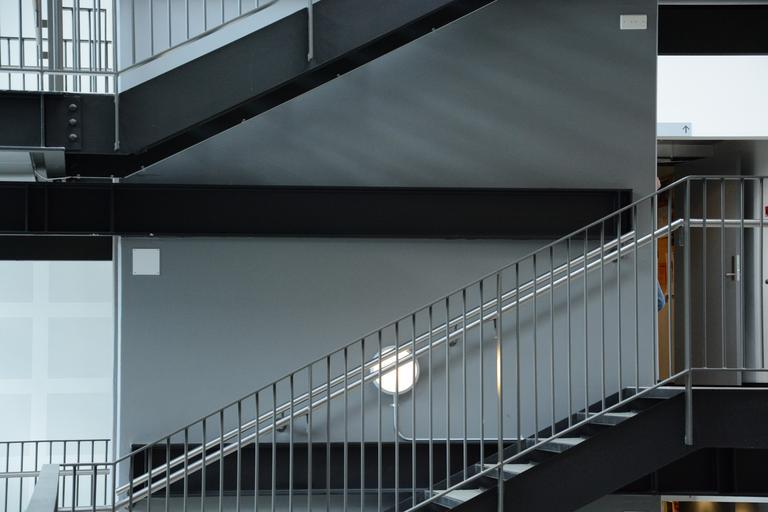 nerezove zabradlie na schodišti