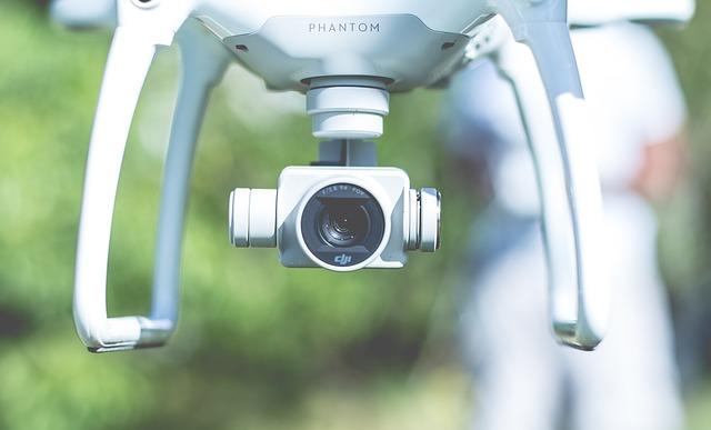Drone s kamerou.jpg