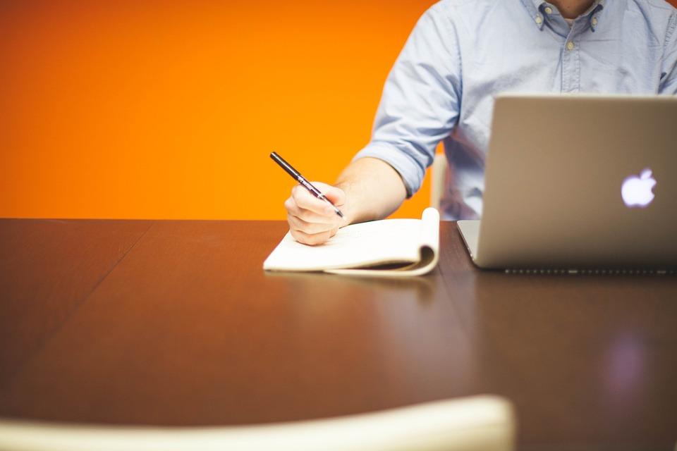 písanie, copywriter